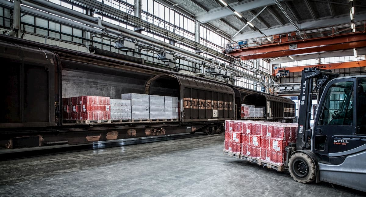 Warehouse image for warehousing industry
